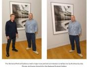 Jony Ive con el fotografo Andreas Gursky junto a la obra que se expone en el National Portrait Gallery