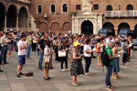 sentinelle in piedi a Verona