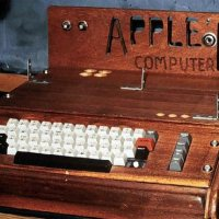 Apple I computer auctioning in New York for $180,000