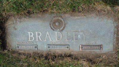 lois-bradley-gravestone