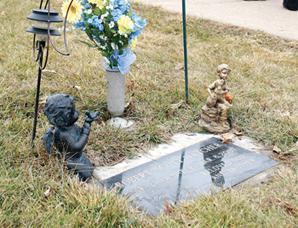 robert-hatcher-tombstone