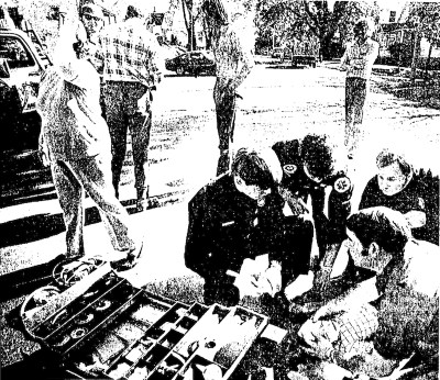 1977-10-15-hawk-eye-lisa-miller-brother-struck