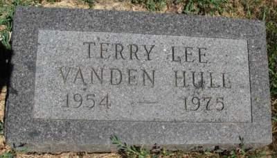 terry-vanden-hull-gravestone