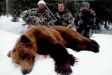 Darwin Vander Esch with bear