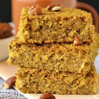 Maple Pumpkin Oatmeal Breakfast Bars