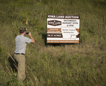 Iowa Land Company specializes in farmland auctions in all 99 counties of Iowa.