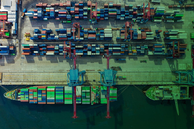 Zum Beitrag Digital Twin Transparenz Logistik - Container im Hafen