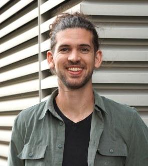 Zum Artikel Retrofit: Unser IOX Experte für Hardwareentwicklung Cedric Knez