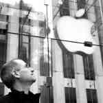 Appleのティム・クックCEO、スティーブ・ジョブズの命日に彼を悼む!