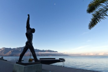 Its-a-beautiful-day-Freddie-Mercury-statue-Montreux-Switzerland-January-2012