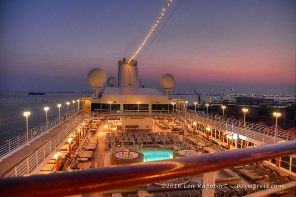 Ship-Night HDR