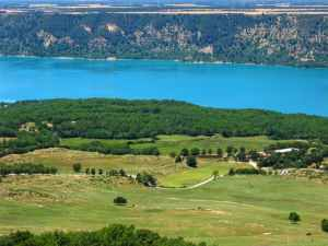 Lake of Sainte-Croix, France, Provence, Gorges du Verdon, turquoise blue waters, curvy hils