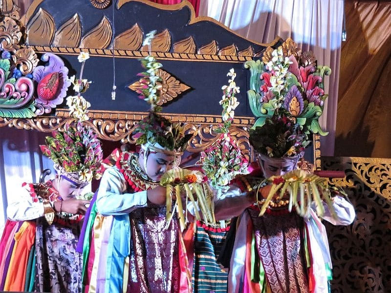 Sacred dance of Cempaga - Bali, Indonesia