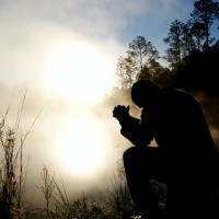 U RUKE TVOJE PREDAJEM SEBE - Kratka večernja molitva Martina Luthera (Tekst i video)