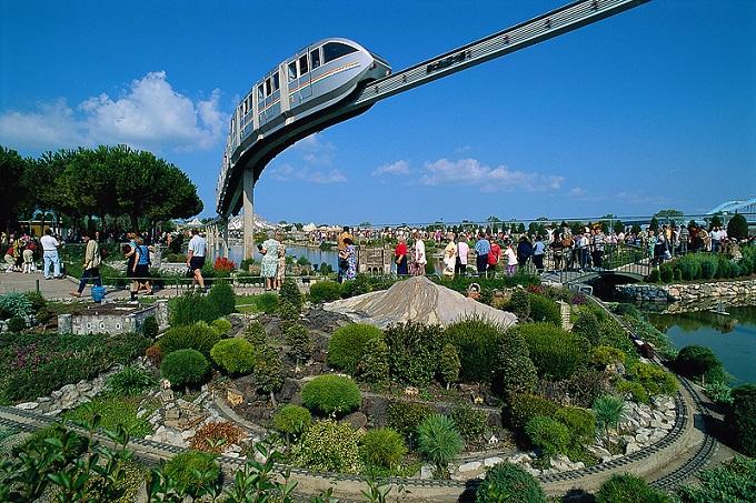 Le aperture 2016 dei parchi divertimento in Italia