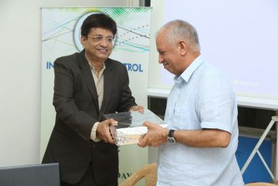 IPCA President honoring the Chief Guest
