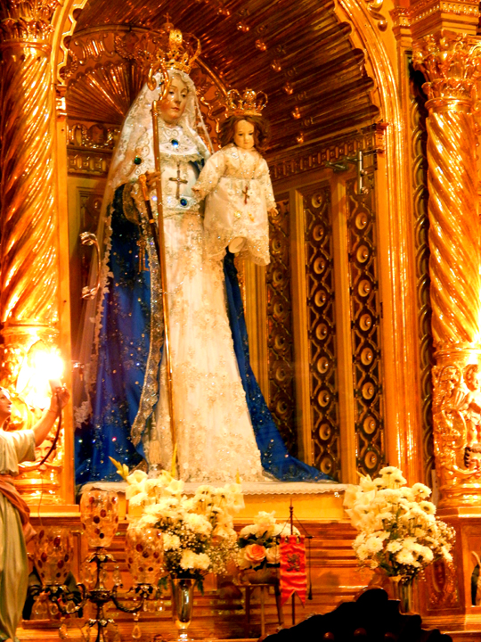 Our_Lady_of_Good_Success_25_Year_Crowning_Rosary_Dawn_Prioress_2016