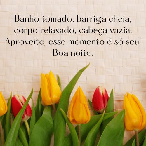Boa noite com flores vermelhas, amarelas e muito amor