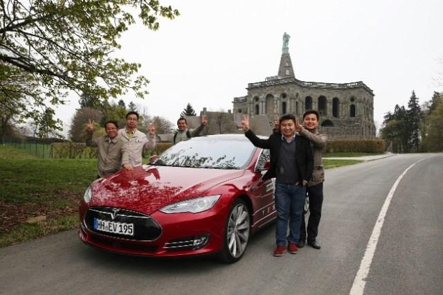 Tesla Chinesen Kassel Herkules Denkmal