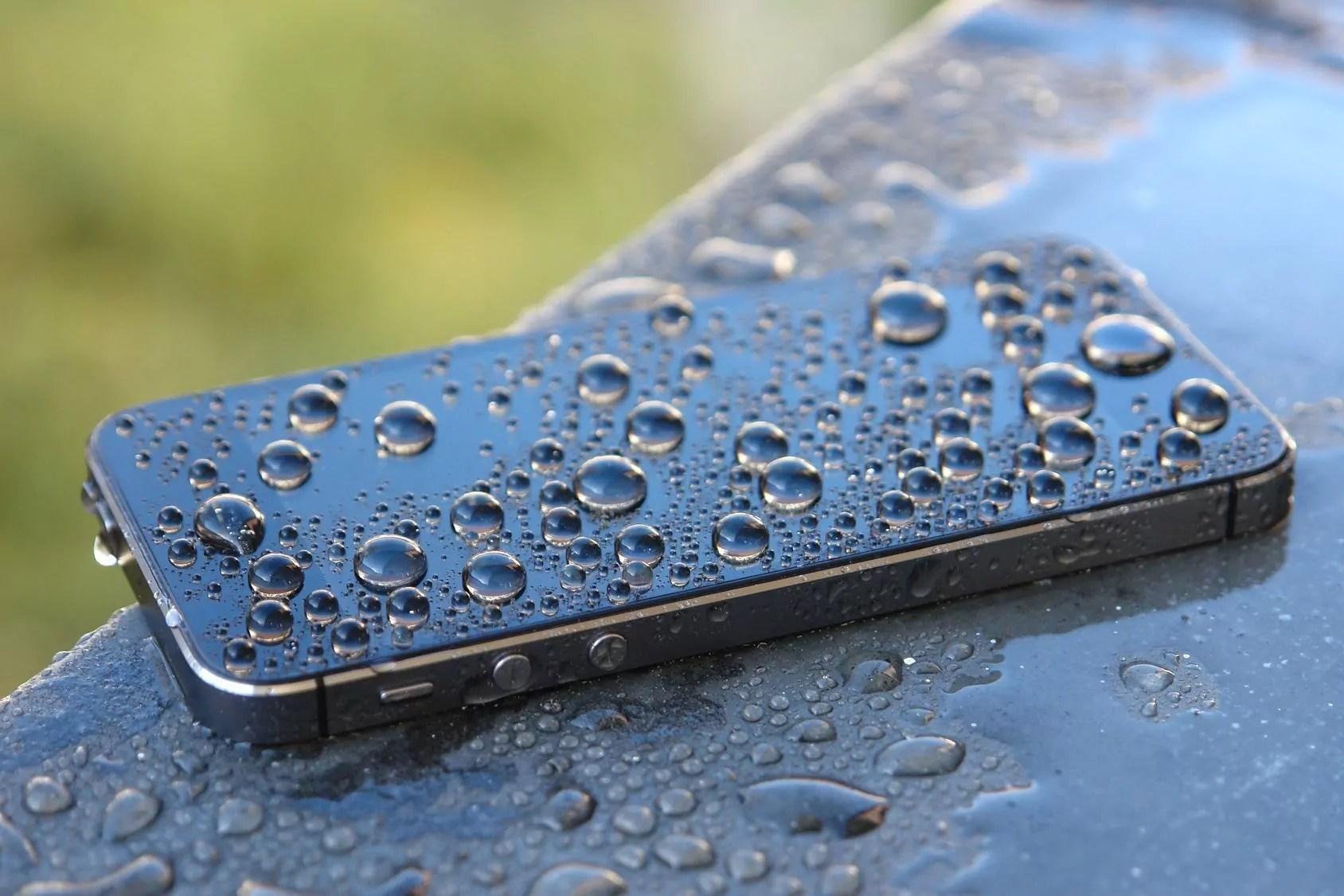 iPhone 4, 4S не включается: что делать?