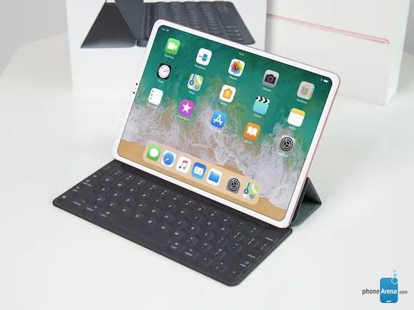 ベゼルレス iPad PhoneArena