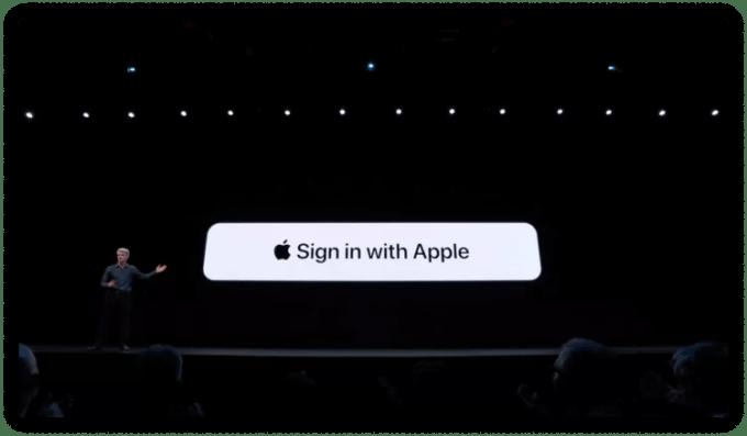 "Презентация Apple функции ""Войти с Apple"""