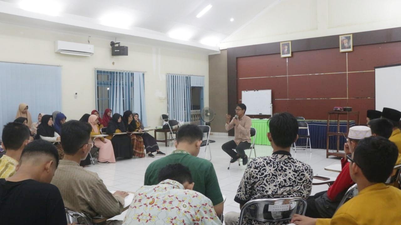 Kantin Muswil Kalimantan Selatan : Strategi Struktural VS Strategi Kultural