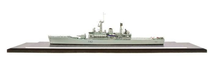 Class 65 Gold - HMS Hero by Ian Davies