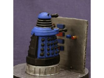Class 92 Gold - Dalek Strategist by Robert Shone