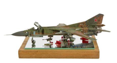 Class 07 Gold - MiG 23M by François Binder
