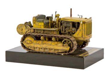 Class 38 Gold, Military Vehicles Category Winner - Caterpillar D7N by Stefan Pasztor