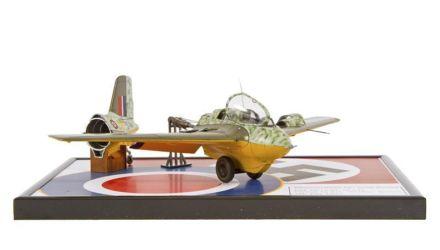 """Class 17 Gold - Messerschmitt Me163 """"Komet"""" by Thomas Poelkemann"""