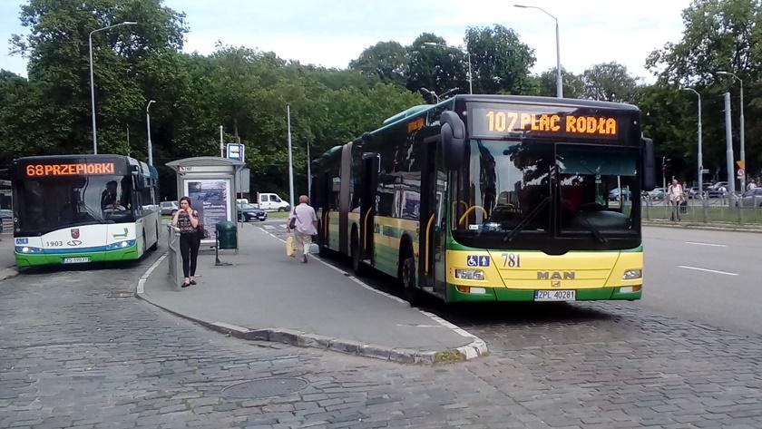 autobusy na pętli na pl. Rodła