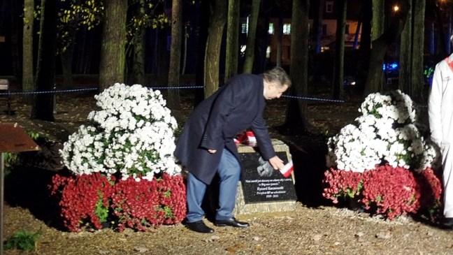 kamień pamięci w parku Solidarności