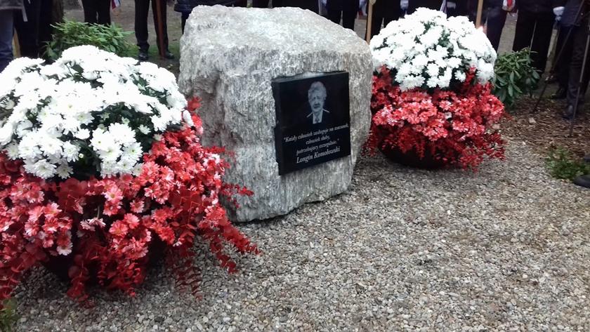 kamień pamięci Longina Komołowskiego