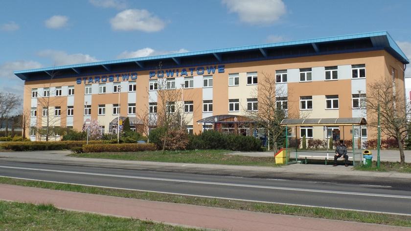 budynek starostwa w Policach przy ul. Tanowskiej