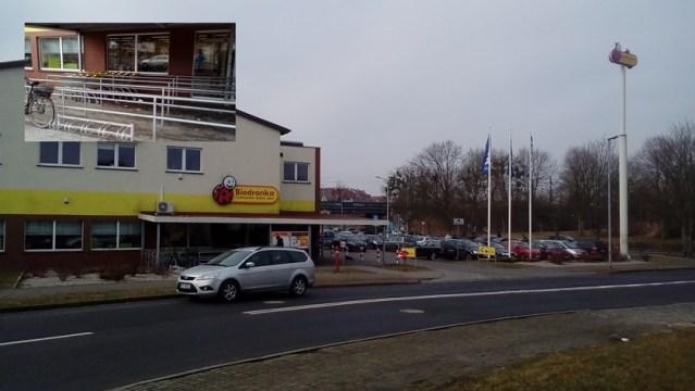 sklep Biedronka w Policach przy ul. Morelowej w sobotę przed niedzielą z zakazem handlu