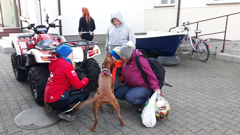 pies ratownik też pomaga zbierać na leczenie Natalii