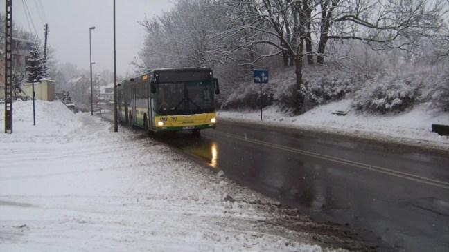 autobusy opóźnione w Policach
