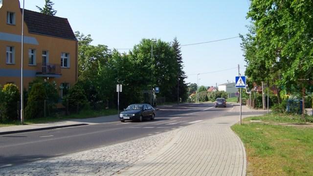 przejście dla pieszych na ul. Asfaltowej w Policach