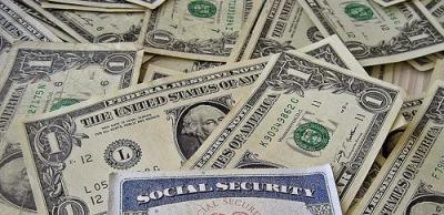 The federal minimum wage is staying put in 2012.