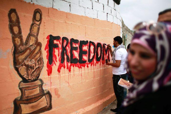 Palestinians Hunger Strikers and U.S. Veterans Returning Service Medals Lead Movements for Peace