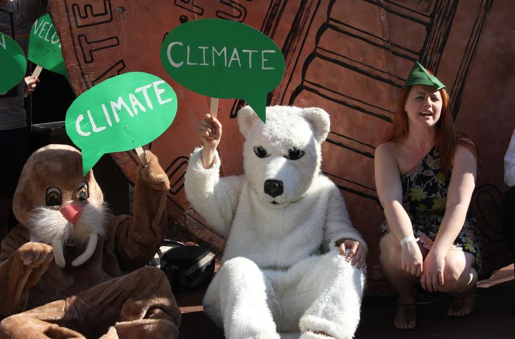 Robin Hood Tax, Not Corporate Greed, Should be Focus of Climate Finance Meetings, Say Activists