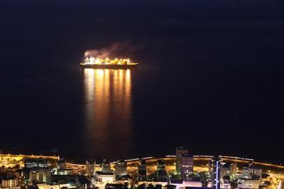 A liquefied natural gas carrier near Sea Point, South Africa. (Derek Keats/ Flickr)