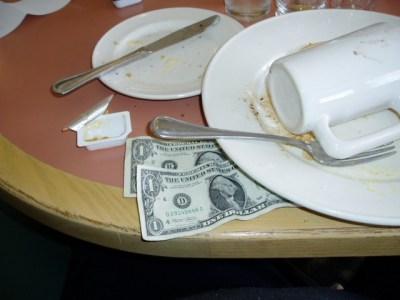 restaurant-worker-tip