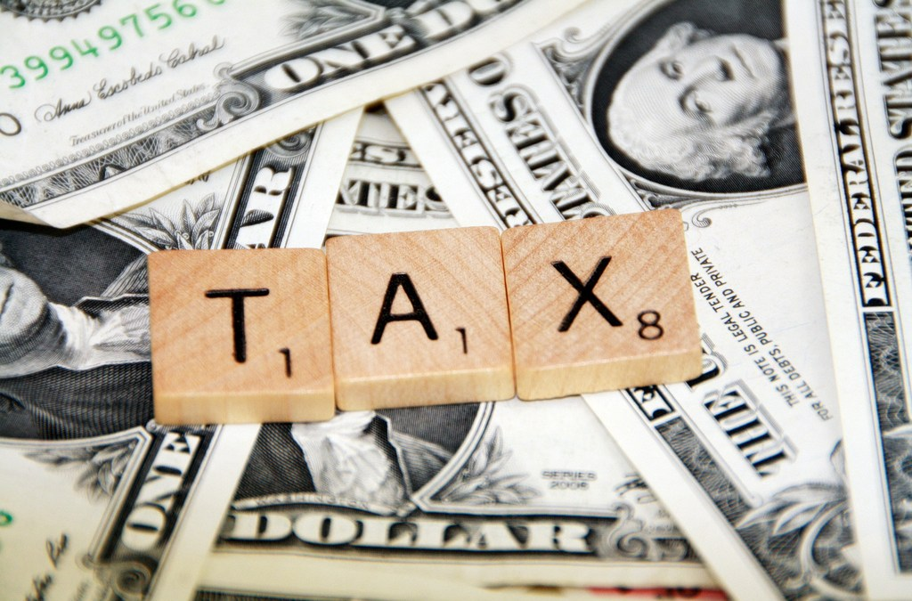 An Independent Thinker's Guide to the Tax Debate