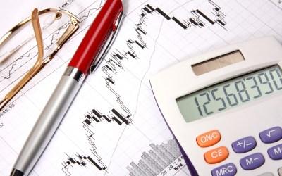 finances-charts-red-pen-calculator