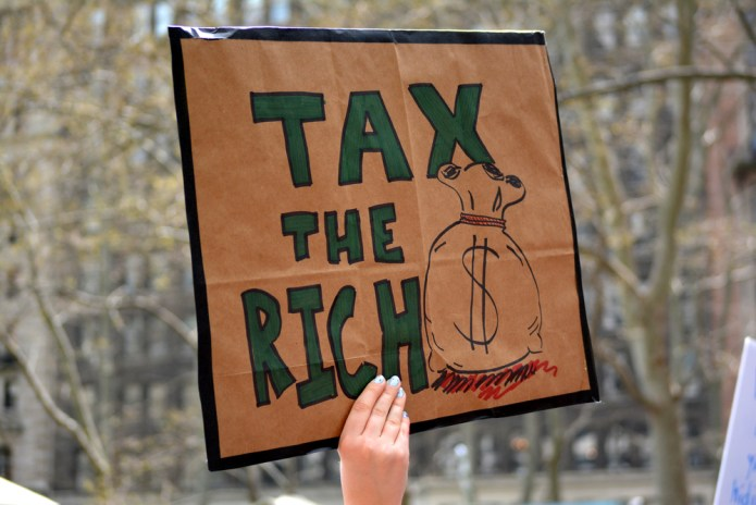 taxes-rich-gop-protest