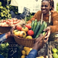 farmers-market-woman-fruit-basket