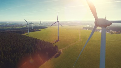 wind-turbine-global-green-new-deal